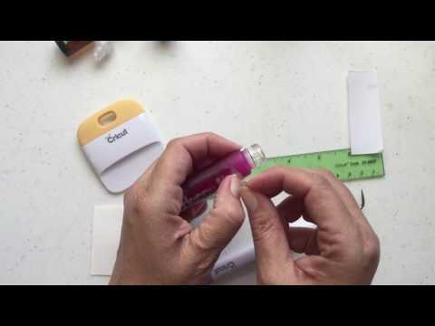 How to Make a Label for Your Essential Bottles with Cricut