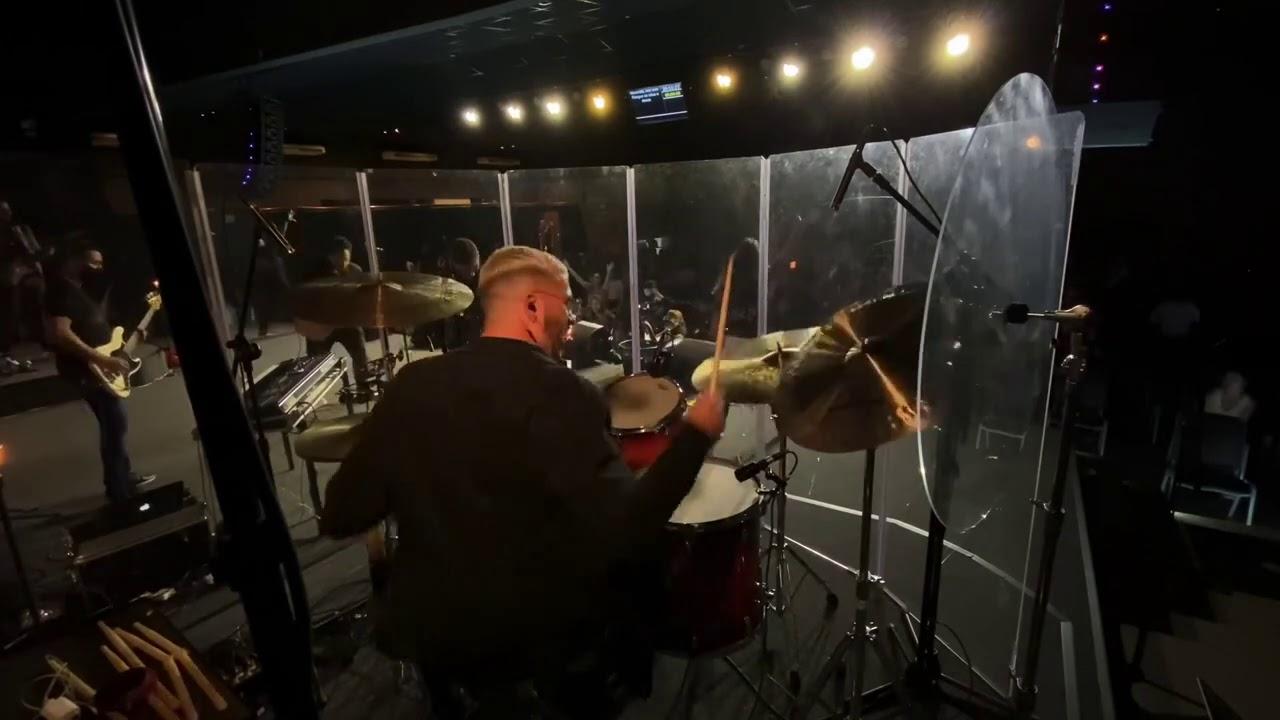 Medley , (Pode morar aqui ) (Maranata ) (A terra clama ) ( A ele a glória ) Drum cam - Biel Sales