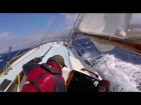 Sailing from Oahu to Maui