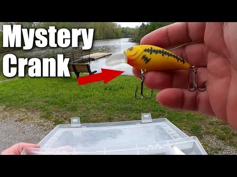 Bass Fishing with a Mystery Crankbait That Wont Swim Straight