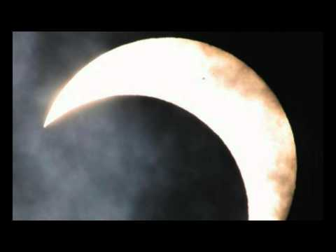 Watch the Total Solar Eclipse: Live Feed Links to Tonight's Event