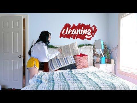 Cleaning + Organizing Room! VLOGMAS DAY 13! Niki DeMar