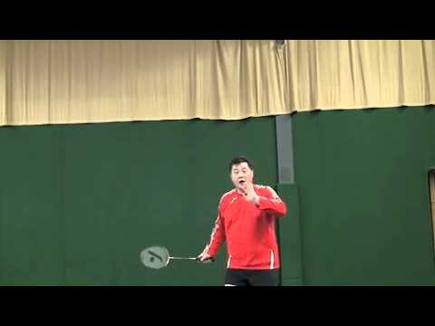 Badminton Backhand Clear: How to Improve the Timing