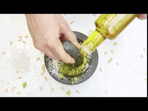 Jamie Oliver - Quick Pesto Pestle and Mortar