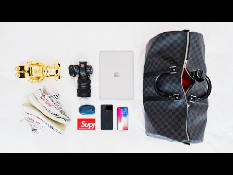 WHAT'S IN MY TRAVEL BAG | 2017 (LA Edition)