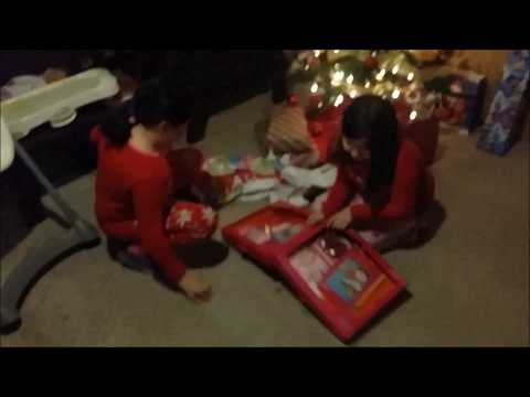 Vlog | Opening Christmas presents | Dec 2017