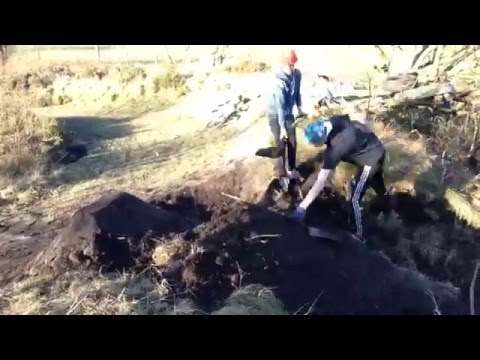 Dirt Jump Building Time Lapse-Greetland Jumps