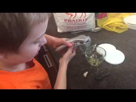 garlic press Pampered chef