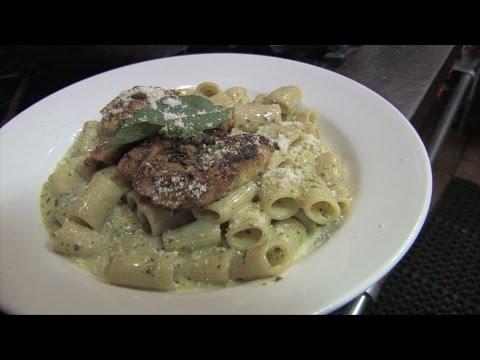 Pesto rigatoni with chicken