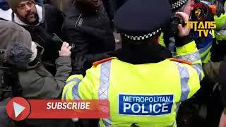 Racist Omar Viciously Attacks Police Officer | Speakers Corner