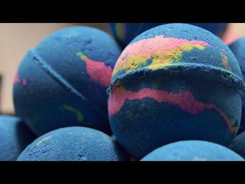 Lush How It's Made: Intergalactic Bath Bomb