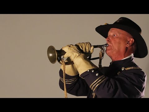 Gettysburg-bound bugler plays traditional military tunes
