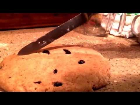 HOW TO MAKE PERFECT IRISH SODA BREAD