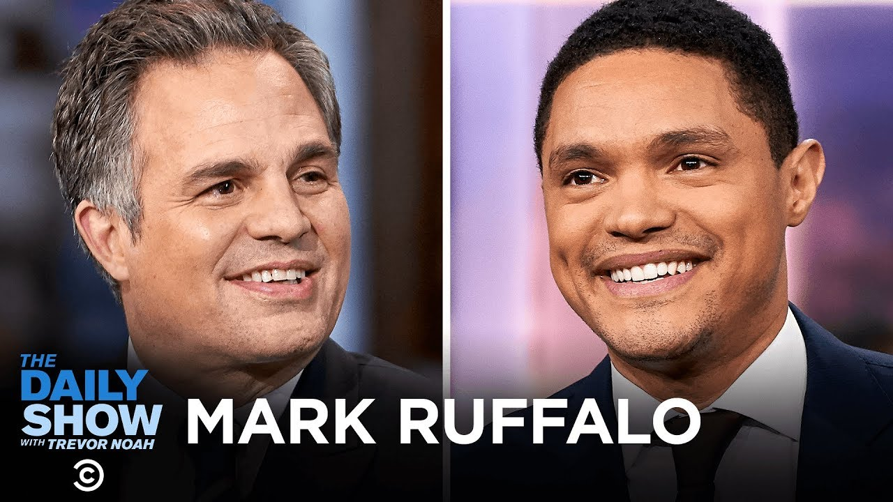 """Mark Ruffalo - Playing a Real-Life Hero in True Horror Story """"Dark Waters"""" 