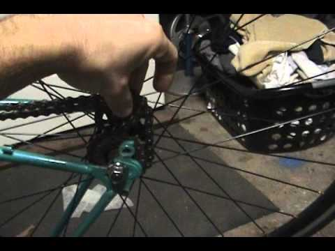 How to remove/install a fixie cog without a chainwhip (rotafix)