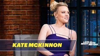 Download Kate McKinnon Was Bitten by an Iguana Video