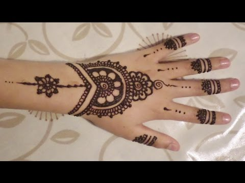 Easy Beautiful Stylist Border Mehndi Designs For Hands Latest