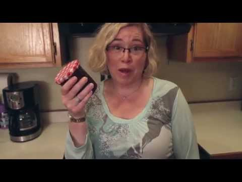 Mom Hack - Easy Way to Remove a Stuck Jar Lid
