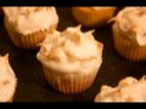 Lemon Meringue Cupcakes: Cupcake Show #17