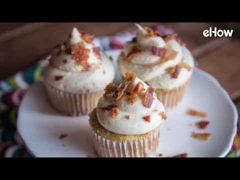 Cinnamon Spice Cupcakes with Maple Bacon Frosting
