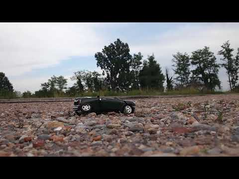 bburago mini 1/18 is crushed by crazy ford driver