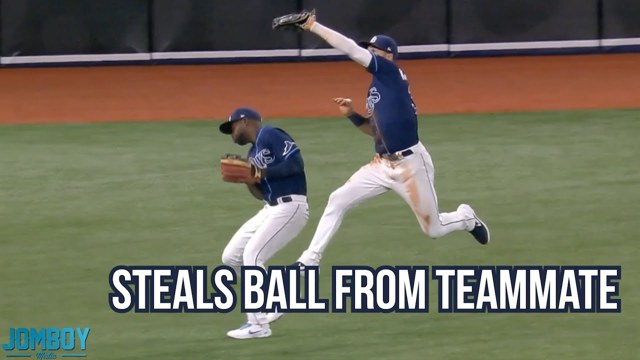 Centerfielder steals ball from left fielder, a breakdown