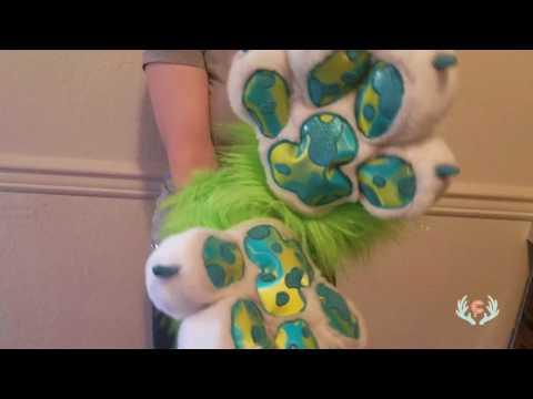 Lenticular & Glitter paws!