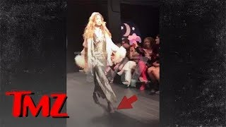 Gigi Hadid Loses High Heel During Fashion Week, Walks It Off Like a Pro | TMZ