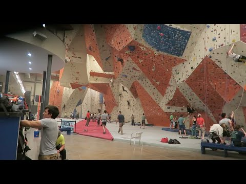 LARGEST INDOOR CLIMBING WALL EVERRR