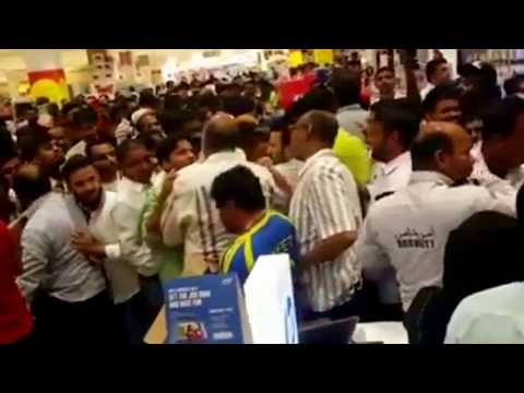 90% sale on LCDs, laptops and gadgets in Dubai ended up in chaos!