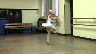 4133a089dd 107 FOUETTES 8 AGE SPANISH BALLERINA!!! 世界記録