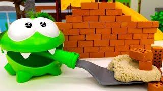 Download Видео про игрушки для малышей. Что построил Ам Ням? Video