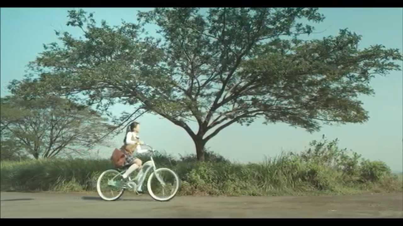 JKT48 - Yuuhi Wo Miteiruka? (Apakah Kau Melihat Mentari Senja?)