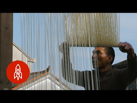 The Art of Making 9-Foot Noodles by Hand