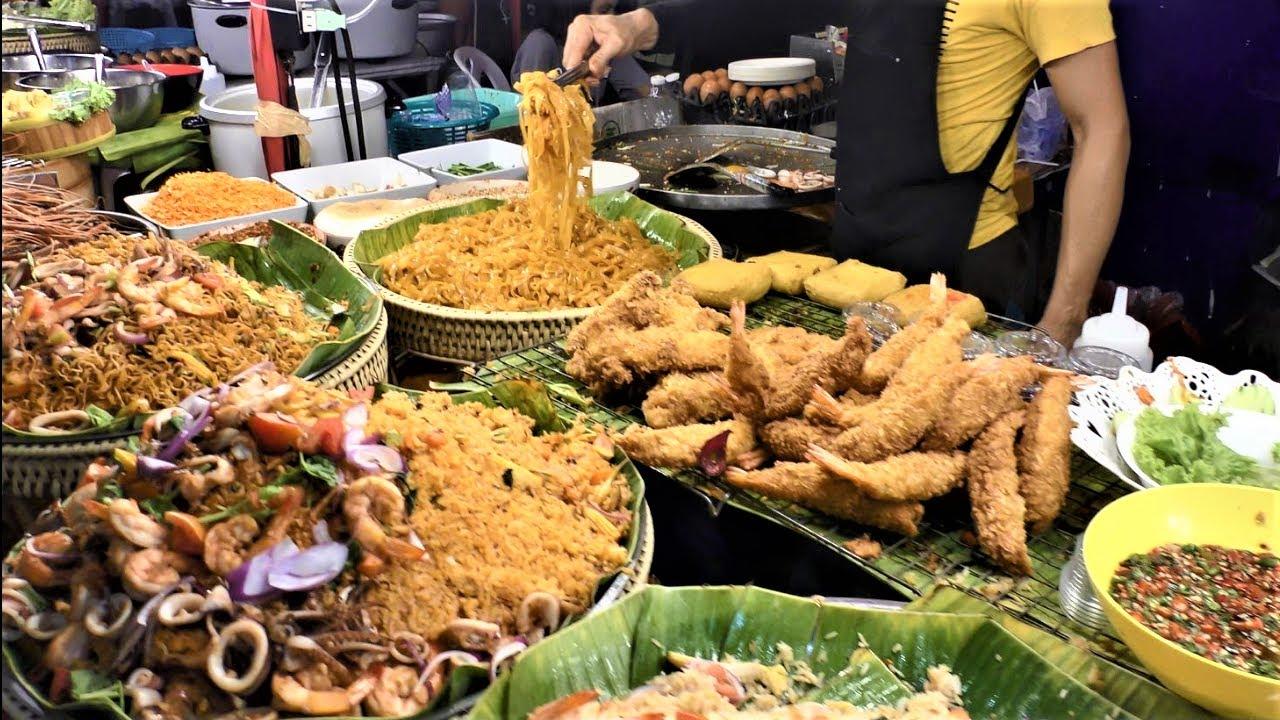 Street Food in Bangkok, Thailand. Best Stalls around MBK Center