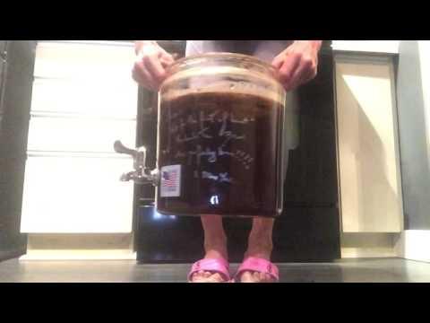Raw fermented kombucha tea 1