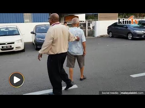 Voter wearing shorts stopped from entering polling station