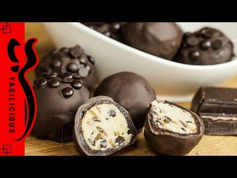 CHOCOLATE CHIP COOKIE DOUGH BROWNIE BOMBS - BOOM! - Schokowoche