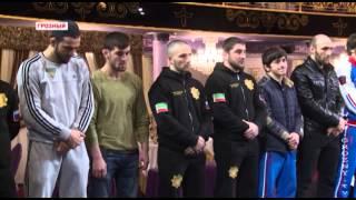 Рамзан Кадыров в Гранд - холе Firdaws отметил сильных не только духом