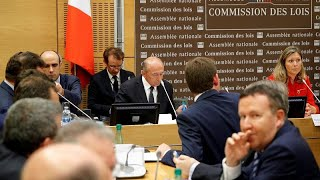 #x202b;وزير الداخلية الفرنسية يحمل مسؤولية قضية بينالا لمكتب الرئيس ومحافظ أمن باريس…#x202c;lrm;