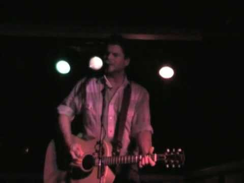 Chris Knight To Get Back Home Live Solo Louisville, Ky. 22Aug07