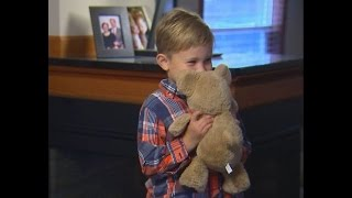 Indiana deputies reunite Minnesota boy with lost Teddy bear