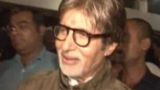 Amitabh at the premiere of Bol Bachchan