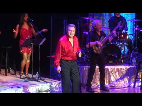 WELCOME TO MY WORLD - Engelbert Humperdinck - Arcada Theater, St. Charles - 4/22/18
