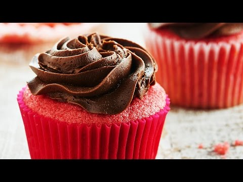 Chocolate Strawberry Cupcakes Recipe - Show Me the Yummy