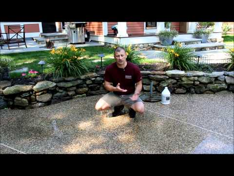 Muriatic acid removing a rust stain from concrete 3