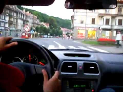 Subaru Impreza Szalona jazda przez miasto