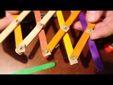 HOW TO MAKE A Hydraulic claw machine made out of cardboard, popsicle sticks and syringes. PART 1