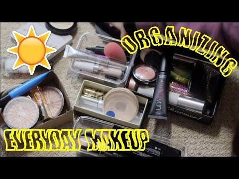 ORGANIZING MY EVERYDAY MAKEUP DRAWER!!