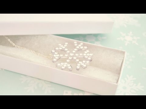 Make an Adorable Snowflake Necklace - DIY Style - Guidecentral